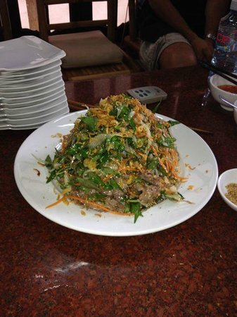 Green Bamboo Cooking School & Cafe: Beef Salad: the biggest winner!