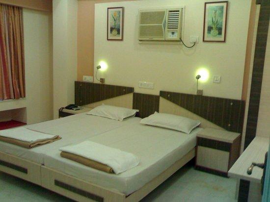 OYO Apartments Bandra West : Bedroom