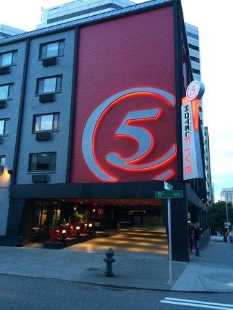 Hotel FIVE - A Staypineapple Hotel: 外観