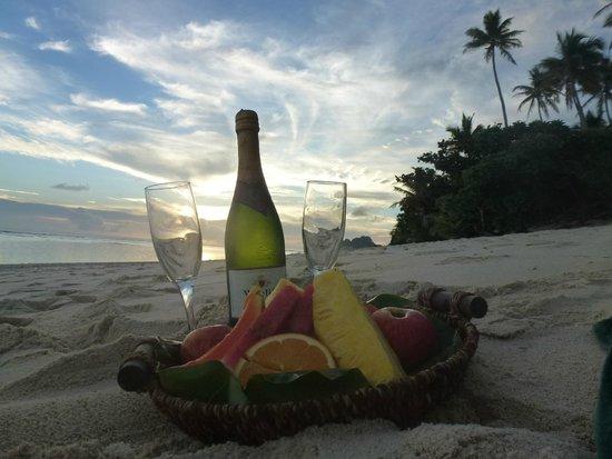 Matamanoa Island Resort : Wedding present @ Matamanoa