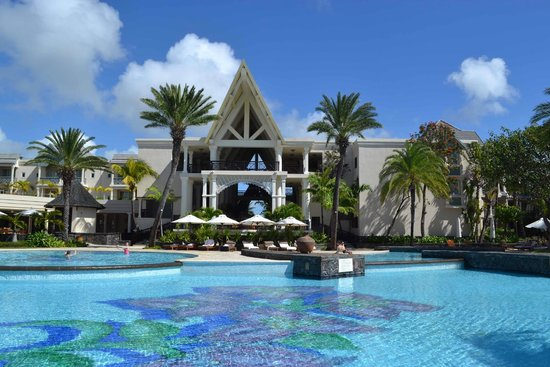 The Residence Mauritius: Hotel and pool