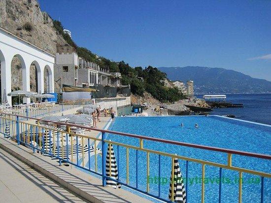 мини отель с бассейном