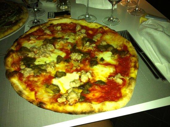 I Poeti: pizza mozza champignons