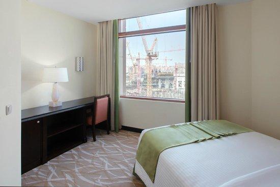 Anjum Hotel Makkah : Junior Suite bedroom
