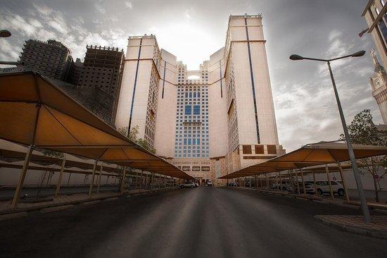 Anjum Hotel Makkah : Parking area
