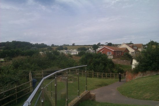Ladram Bay Holiday Park: View of the site from the 3 Rocks complex