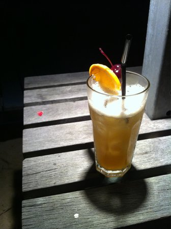 Coastes: nice Mai-Tai in the evening at the beach