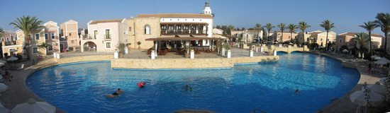Aliathon Holiday Village: Adult bar and outside terrace