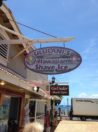 Ululani's Hawaiian Shave Ice: Its worth standing in line for. Great shave ice, great flavors.