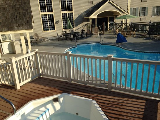 Country Inn at Jiminy Peak: Poolside