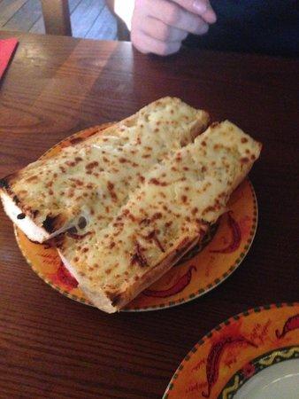 Bodega Tapas Bar: Garlic bread with mozzerella