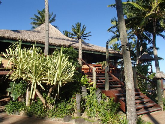 Outrigger Fiji Beach Resort: The Sundowner