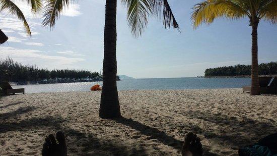 Diamond Bay Resort & Spa : beach