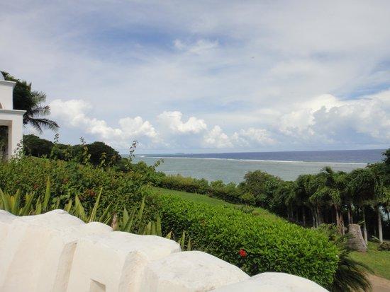 Mariana Resort & Spa: ホテルより海を望む