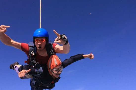 Peterlee Parachute Centre: Falling from the sky