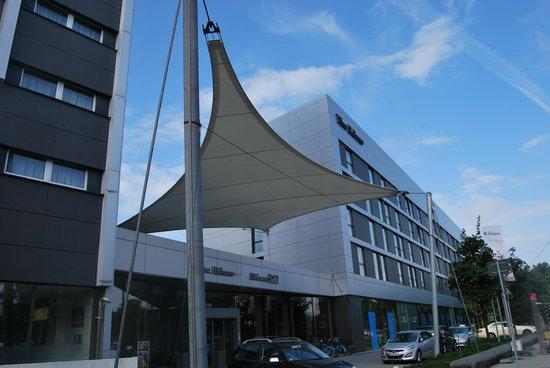 Rilano 24/7 Hotel Munich: Fachada