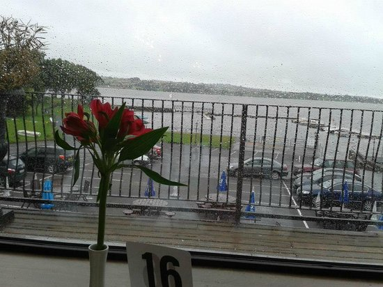Lakeside Manor Hotel: Breakfast View and view from Lakeside rooms