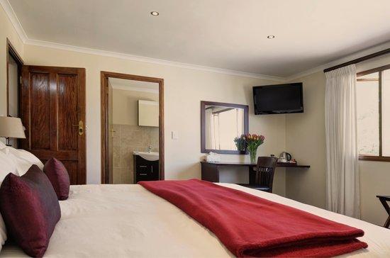 Sundown Manor: Deluxe Room 3