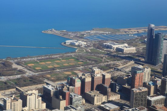 Skydeck Chicago - Willis Tower : Birdview toward Michigan Lake