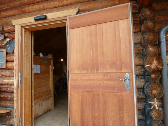 Seceda Curona: At Curona Hütte