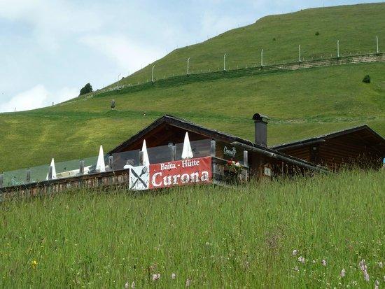 Baita Curona Hütte Seceda: View of the restaurant as you enter