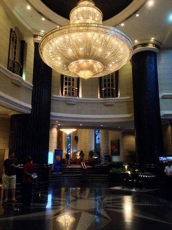 Renaissance Kuala Lumpur Hotel: Lobby