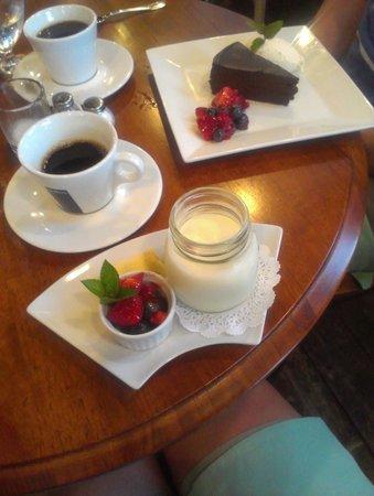 Chez Nous: dessert