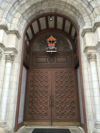 Cathedral Basilica of Saint Louis: Door