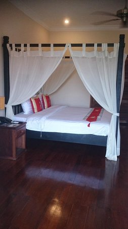 Angkor Heritage Boutique Hotel: Nice bed