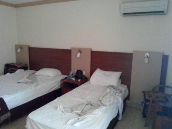 Hotel Happy Elegant: iki kişilik çift odası üç yataklı