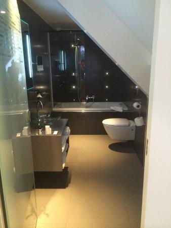 Lyric Hotel Paris : Bathroom
