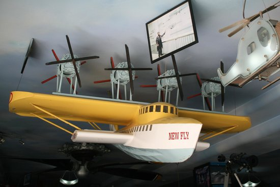 New Fly Restaurant : Гидро-самолет