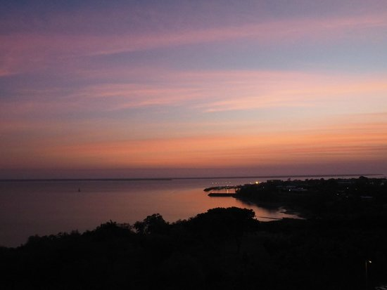 DoubleTree by Hilton Hotel Darwin: Just another Darwin sunset!!