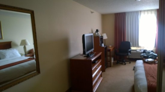 Holiday Inn Express Portage: 2