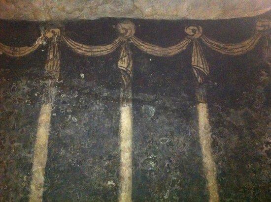 Decorazione della cripta della Chiesa di San Sepolcro