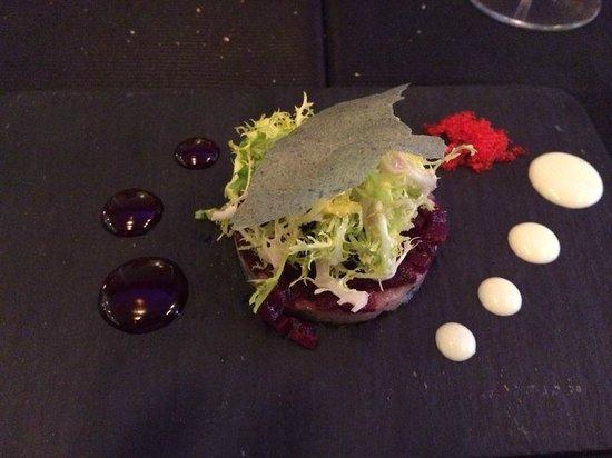 Senses Restaurant: Makreel met rode biet