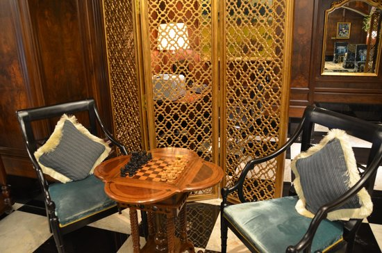 The Taj Mahal Palace: the chess and the business lounge behind