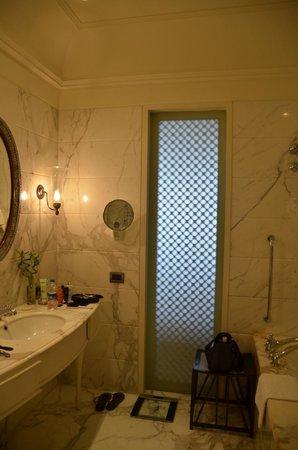 The Taj Mahal Palace, Mumbai: marble bath