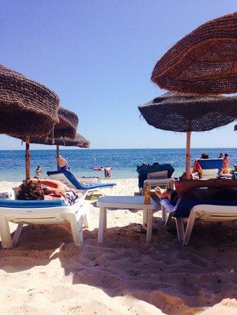 Hotel Kanta: The private beach.