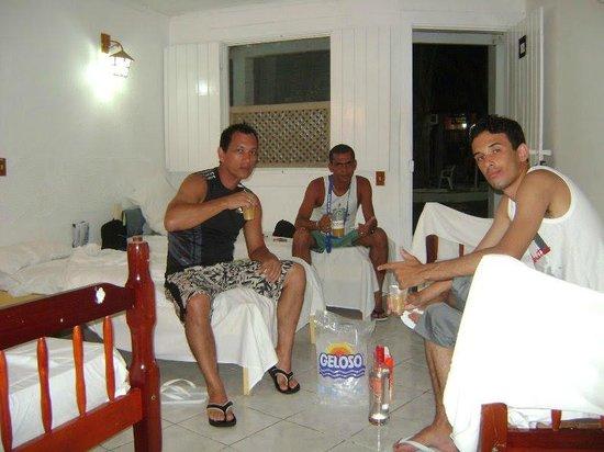 Beira Mar Praia Hotel: Suíte, cachaça e amigos