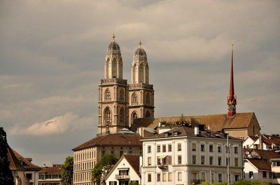 Old Town (Altstadt) : linda vista cerca de la estación