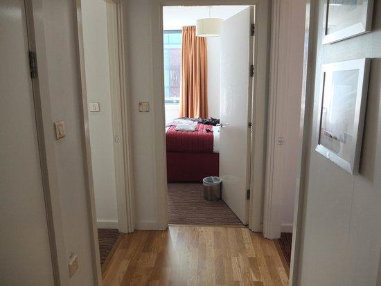 Premier Suites: Hallway