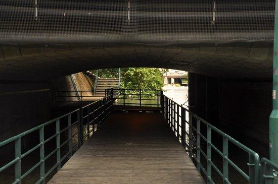Old Town (Altstadt) : tuneles para pasear y perderse por la ciudad.