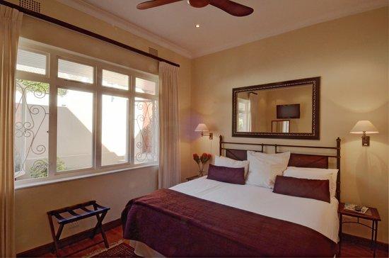 Sundown Manor : Luxury Room 7