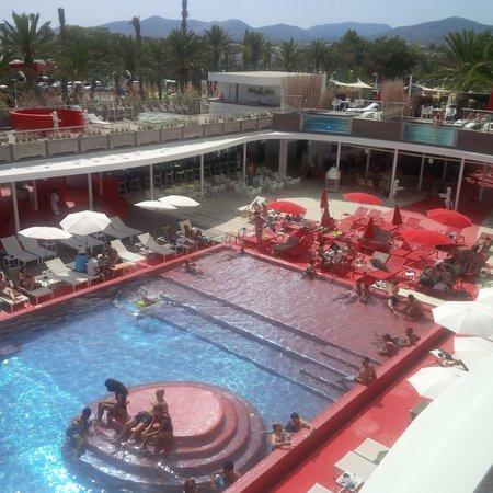 Ushuaia Ibiza Beach Hotel: Balcony view of the pool