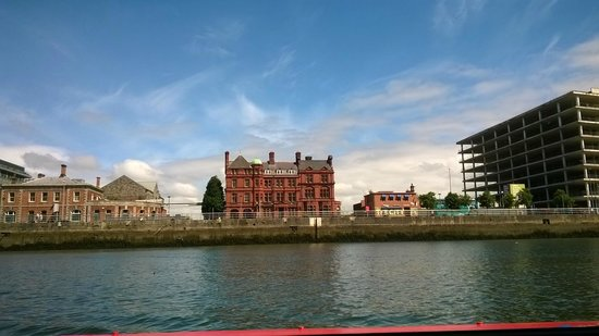 Dublin Discovered Boat Tours: Liffey Cruise