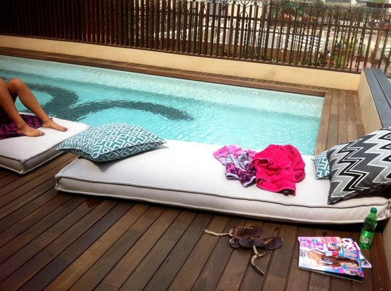 Pool picture of toc hostel barcelona barcelona for Pool show barcelona