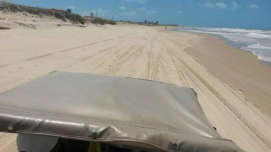 Brasil Tropical Village: In dune buggy sulla spiaggia