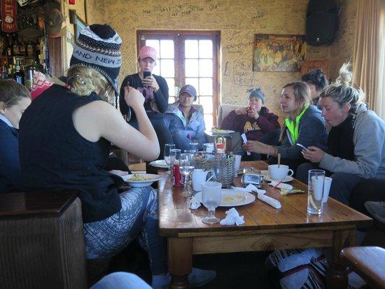 Sani Mountain Lodge: common area/pub