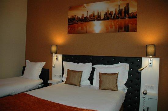 hotel de l 39 univers montlucon montlu on france voir les tarifs et 455 avis. Black Bedroom Furniture Sets. Home Design Ideas